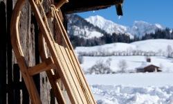 Rodel vor Hütte