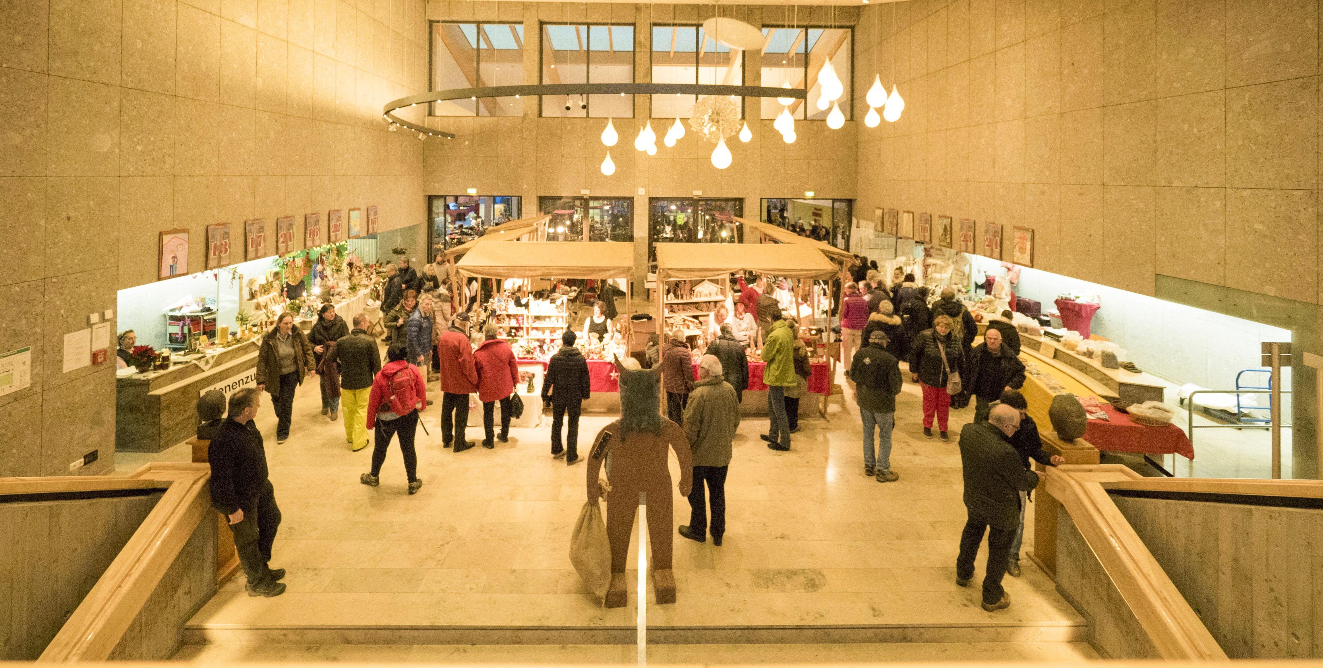 Foyer Des Arts Familie Und Gewaltanwendung : Foyer