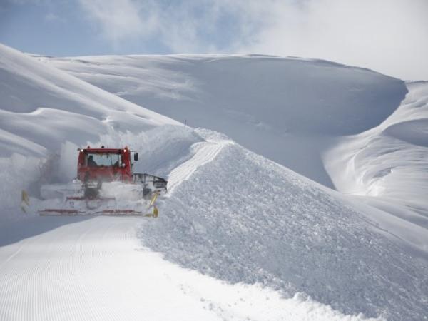 Präparierung der Winterwanderwege