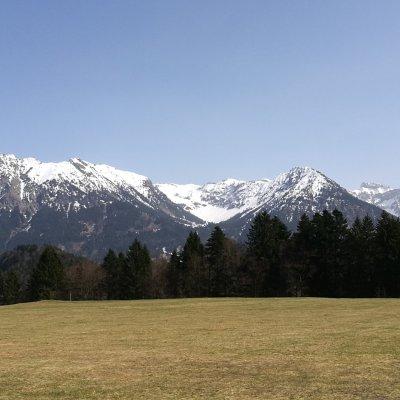 Blick zum Nebelhorn und Schattenberg