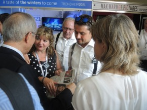 Das FIS Council besucht den Oberstdorfer Präsentationsstand