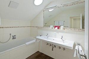 Das neu renovierte Badezimmer in der Ferienwohnung