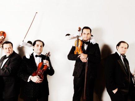The Janoska Ensemble ©Julia Wesely