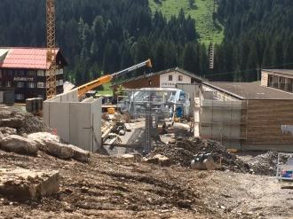 Baufortschritt am Talstationsgebäude