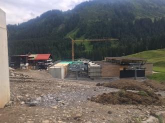 Blick auf das Talstationsgebäude - 31.07.17