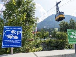 E-Ladestationen vor Nebelhornbahn