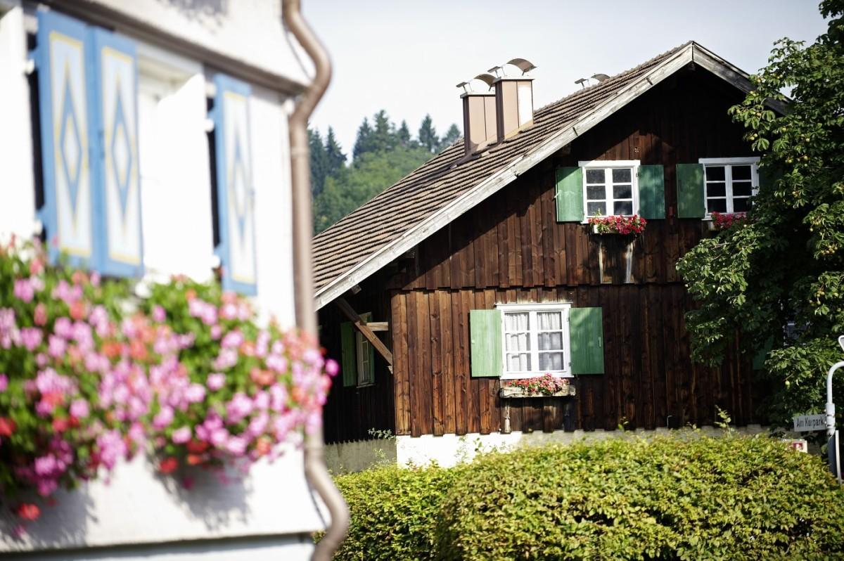Häuser im Ort