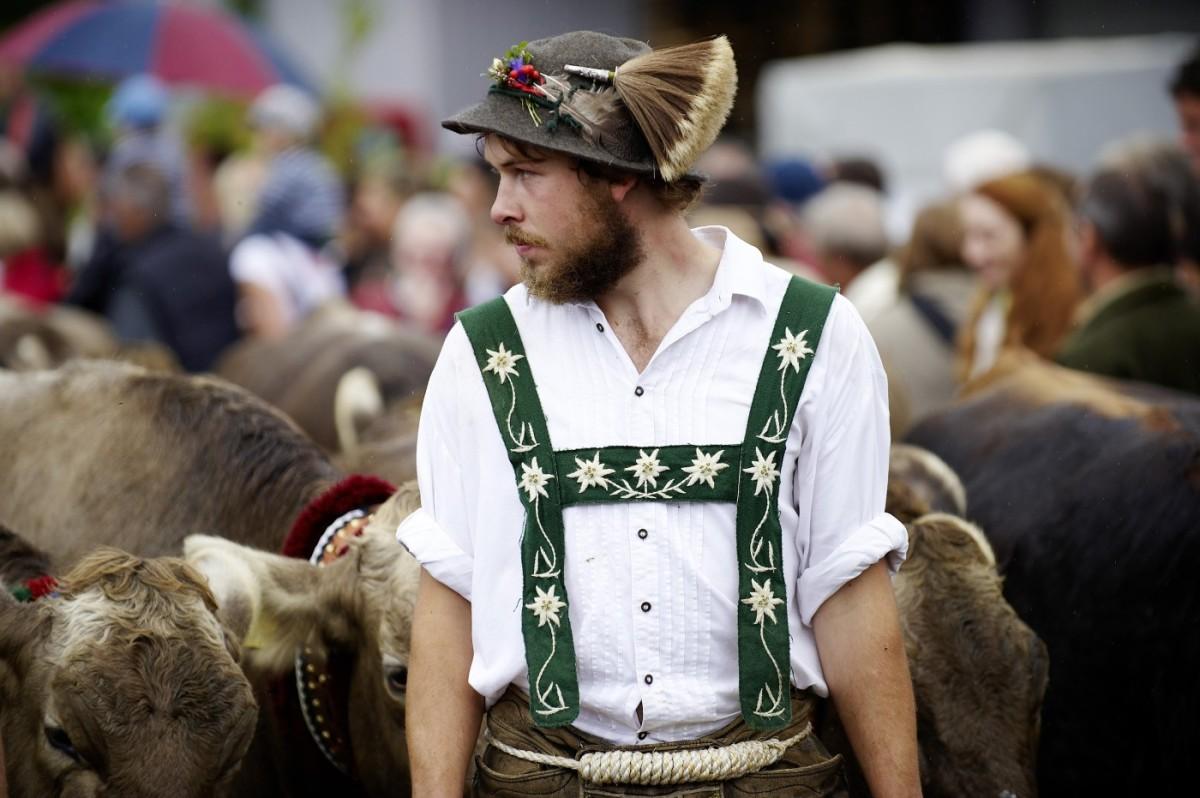 Hirte mit Kühen am Scheidplatz