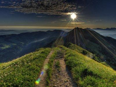 Sonnenaufgang mit Blick auf das Rindalphorn
