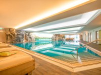 Unser Schwimmbad mit viel Platz (10 x 18 m)