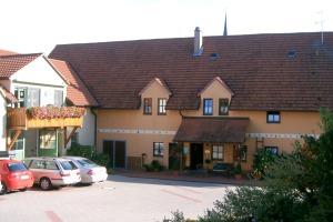 Weingut Claussen-Wintzheimer - Hof - 2006-10-21 WPCW Bilder Hof und Pension aussen 19 (002)