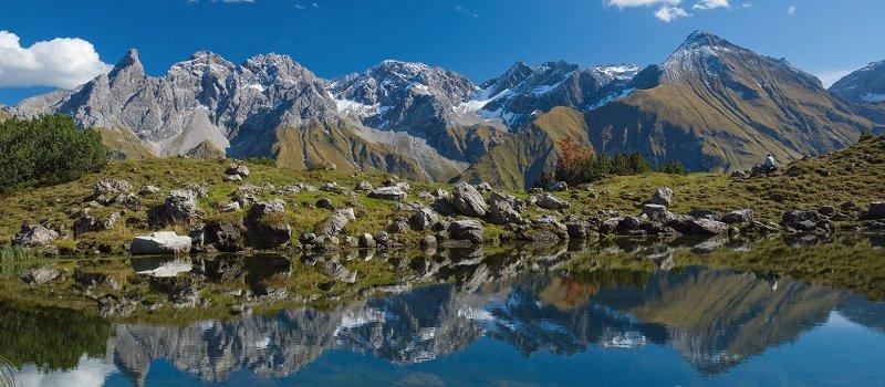 Guggersee vor imposanten Berggipfeln