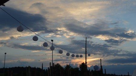 Himmel über Provinzgeräusche