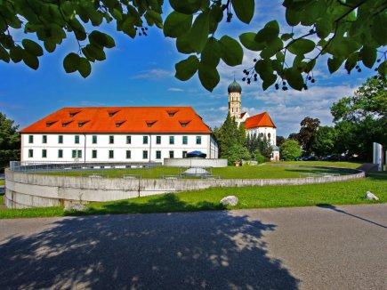 Schlosskirche und Schloss Marktoberdorf