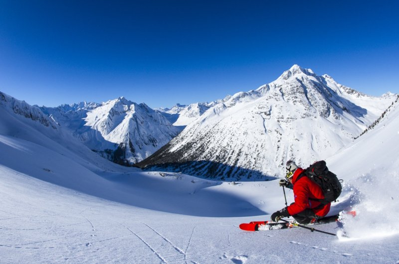 Bella Coola Heli Sports - Mystery Mountain Lodge - Eric Berger