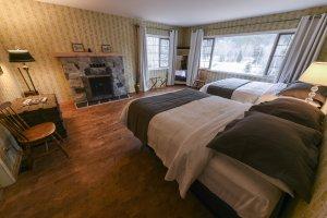 Bella Coola Heli Sports - Mystery Mountain Lodge - Eric Poulin