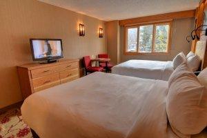 Ptarmigan Inn - Superior Hotel Room (2 Queens)