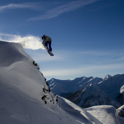 Snowboarder in Kicking Horse