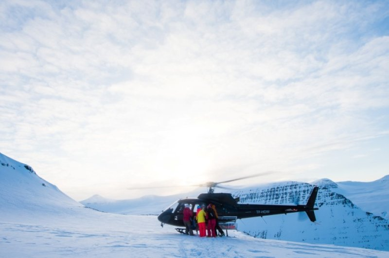 Heli-Skiing in Island