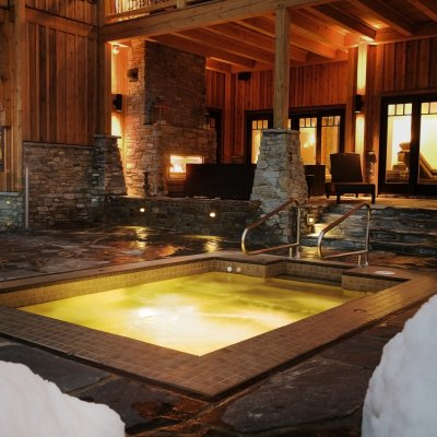 Bighorn Lodge Hot Tub