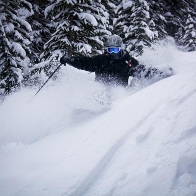 Skiing bei TLH Heli-Skiing