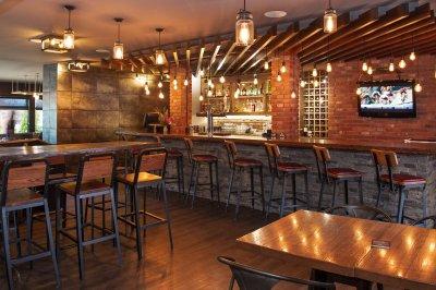 Bar in der Kootenay Lodge