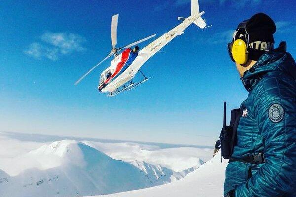 Heli-Skiing Island