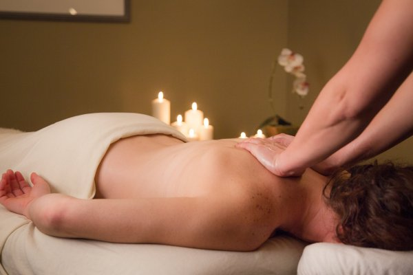 Bobbie Burns Massage