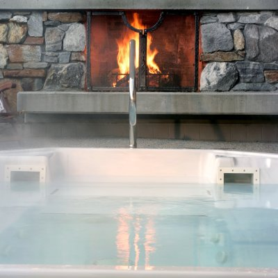 Monashee Hot Tub