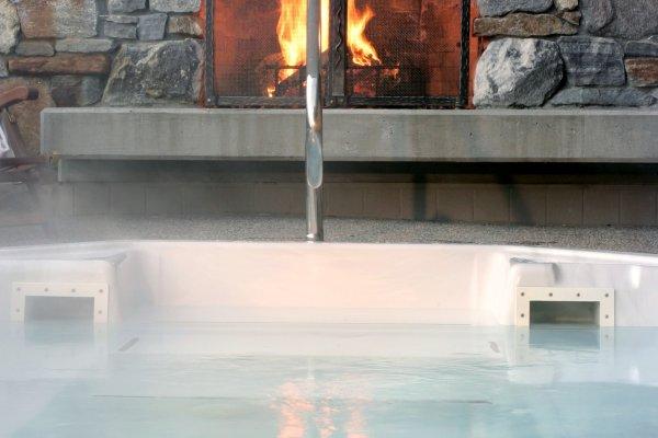 Monashee Hot Tub