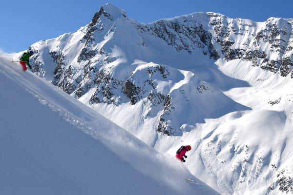 CMH Heli-Skiing - DannyStoffel