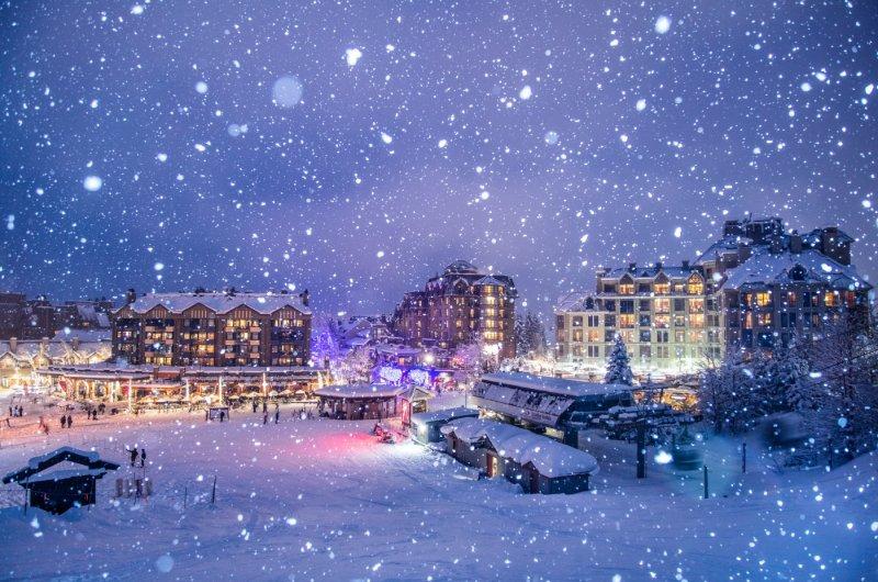 Whistler Village bei Nacht