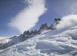 Skifahrer aktiv