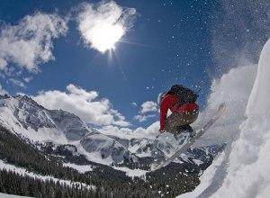Skifahrer rot Sprung Powder