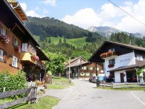 Bergan Richtung Waldparkplatz