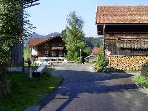 Blick Richtung Wirtshaus
