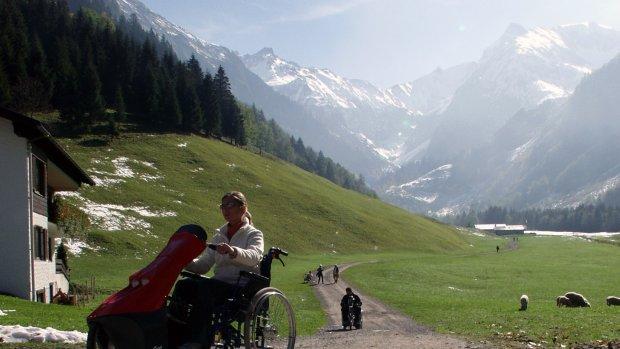 Rollstuhlfahren in den Bergen