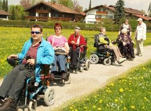Rollstuhlfahrer in der Südebene