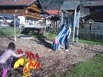 Klettern- rutschen- wippen - spielen - toben