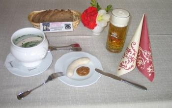 Weisswurst mit süßem Senf und Holzofenbrot