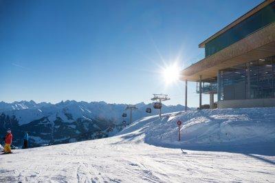 Blick ins Ifen-Skigebiet mit neuer Bahn