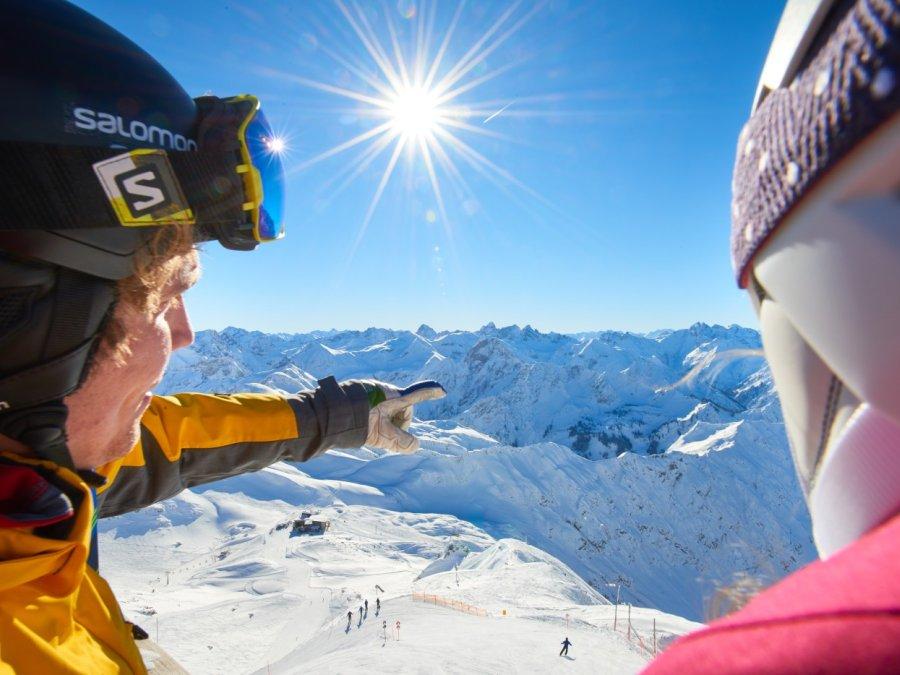 Ausblick mit 400 Gipfel vom Nebelhorn