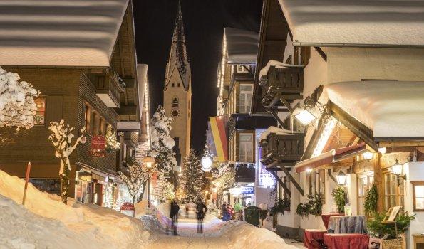 Kirchstrasse am Abend (c) Eren Karaman