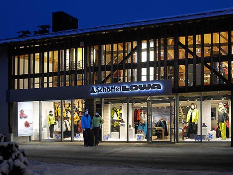 Schöffel-LOWA-Store Oberstdorf für Outdoorbekleidung und Bergschuhe zum Wandern, Trekking, Bergsteigen und Skifahren