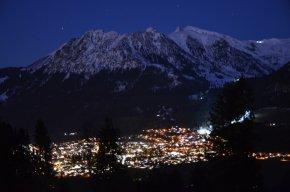 Oberstdorf in der blauen Stunde