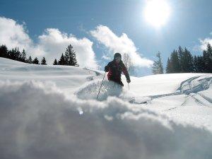 Skifahren Tiefschnee