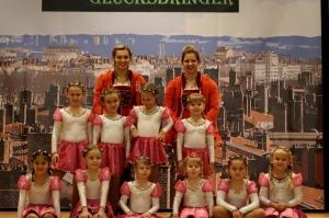 Krümelgarde mit Trainerinnen