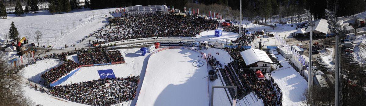 Blick auf das Stadion der Skiflugschanze