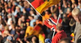 Deutsche Fans feiern ihre Skispringer