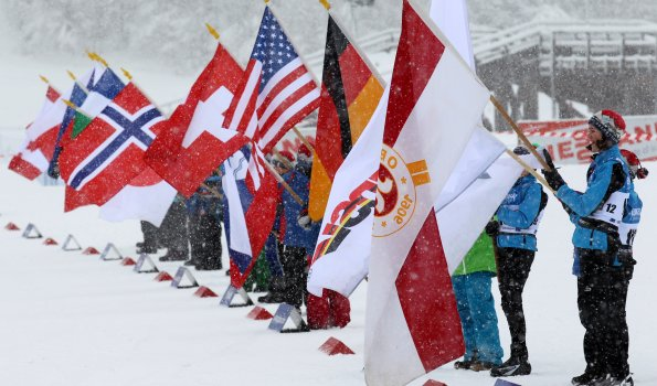 Fahnen-Kinder des Skiclub Oberstdorf